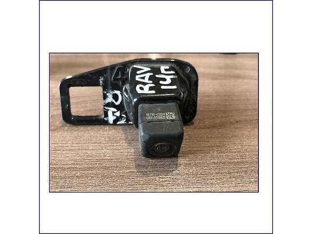 купить бу Камера-заднего-вида-Toyota-RAV-4-86790-42030 в Одессе