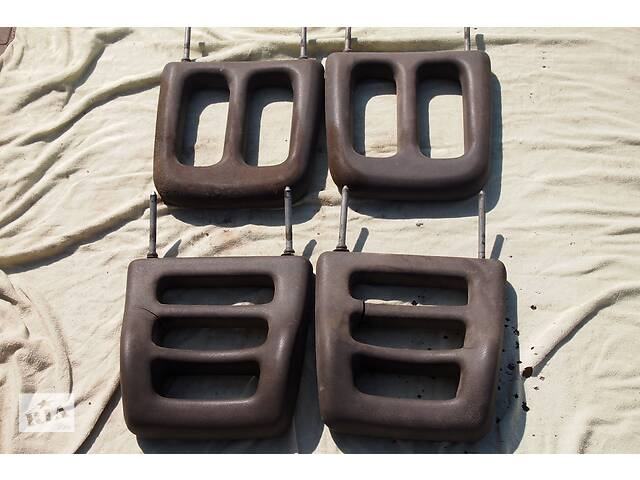 Подголовники крепятся к сиденью двумя металлическими штырями высота 27см между прутками 20см легко ставить на разные сиденья- объявление о продаже  в Черновцах