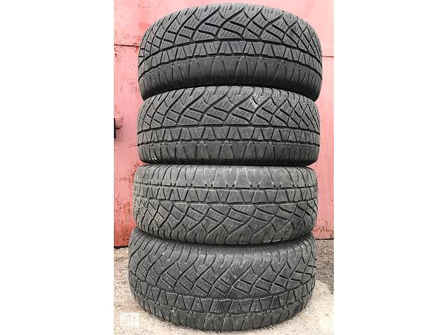 купить бу Всесезонные шины Michelin Latitude Cross 235/60 R16 в Запорожье