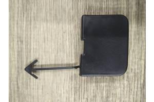 Заглушка крюка буксирувального передня Фольксваген Пасат Б6 2005-2010