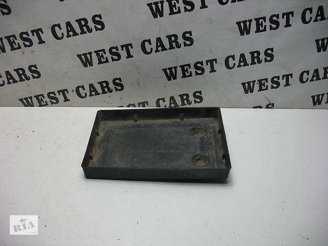 купить бу Б/У 2005 - 2012 Grand Vitara Подставка под аккумулятор. Вперед за покупками! в Луцьку