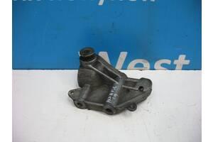 Б/У 1997 - 2003 156 Кронштейн двигуна 1.9 JTD. Вперед за покупками!