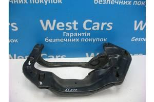 Б/У 2007 - 2013 X5 Кронштейн крепление коробки передач. Вперед за покупками!