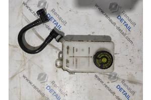 Б/у бачок главного тормозного для Opel Vivaro 2014-2019