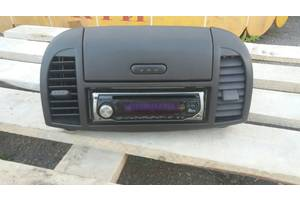 б/у Бардачки Nissan Micra