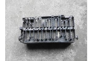 б/у Блоки предохранителей Volkswagen T4 (Transporter)