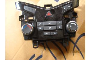 б/у Блоки управления печкой/климатконтролем Nissan Murano