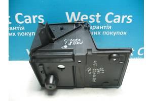 Б/У Корпус під акумулятор 1.8 TDCI C-Max 2003 - 2010 3M5110723. Вперед за покупками!