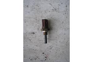 б/у Датчики и компоненты Mazda 626