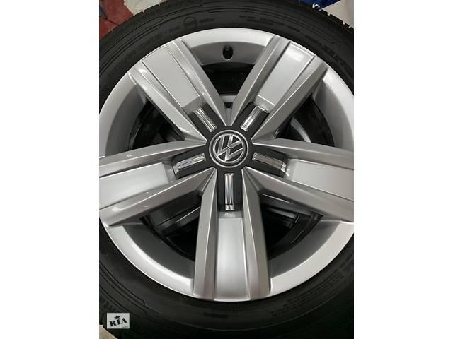 продам Б/у диск с шиной для Volkswagen Multivan 215 * 60 * R17 бу в Ивано-Франковске