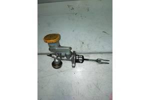 Б/у главный цилиндр сцепления для Subaru Forester SG  2003-2007