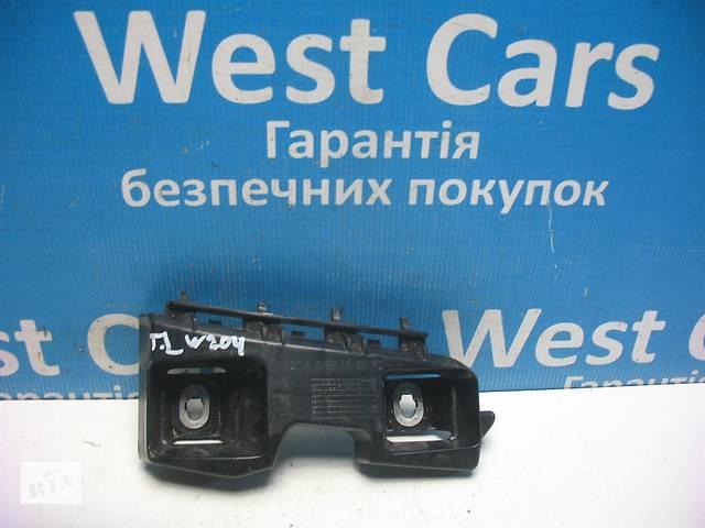 купить бу Б/У 2007 - 2014 C-Class Кронштейн бампера задній лівий. Вперед за покупками! в Луцьку