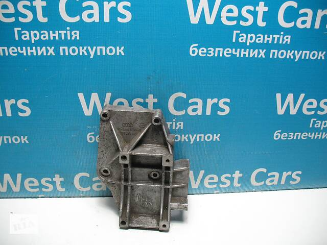 продам Б/У Кронштейн компресора кондиціонера 1.8 B Passat 1994 - 2001 058260885. Вперед за покупками! бу в Луцьку