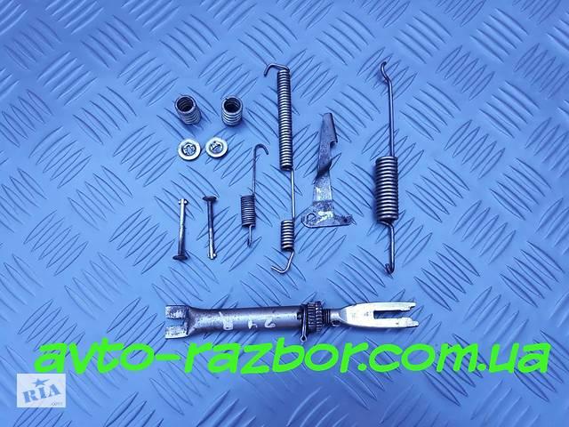 Б/у Механизм правый задних тормозных колодок на Nissan Vanette Cargo, Serena C23 91-01- объявление о продаже  в Виннице