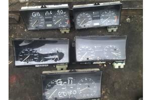 б/в Панелі приладів / спідометри / тахографи / топографи Volkswagen Golf II