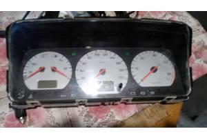 б/в Панелі приладів / спідометри / тахографи / топографи Volkswagen T4 (Transporter)