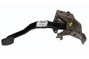 Б/У Педаль сцепления металл HONDA CR-V 95-02