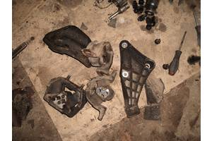 б/у Подушки мотора Opel Vectra A