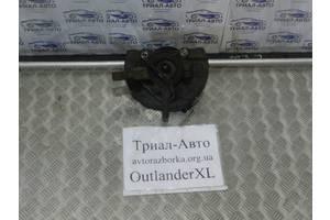 б/у Поворотные кулаки Mitsubishi Outlander XL