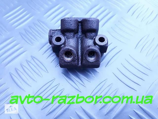 купить бу Б/у Распределитель тормозной жидкости на Mazda 626 GE 1991 - 1997 год в Виннице
