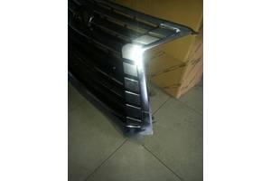 б/у Решётки радиатора Lexus LX