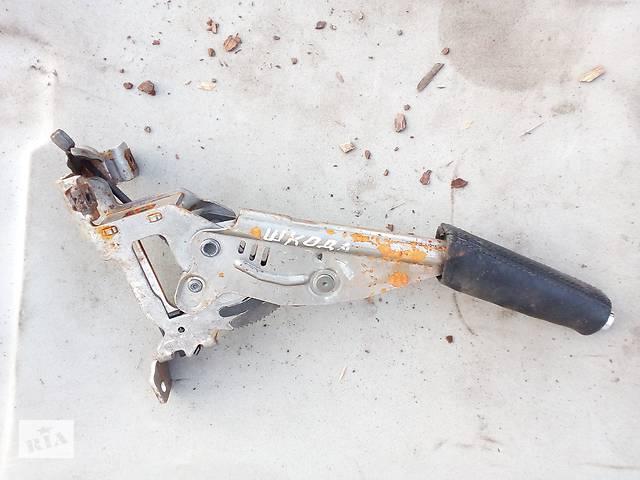 купить бу Б/у ручка ручника для Skoda Octavia A5 в Черкассах