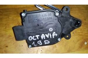 б/у Шаговые двигатели печки Volkswagen Golf IV