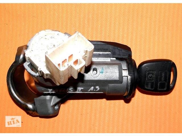 купить бу Б/у замок зажигания/контактная группа для Toyota Yaris (2) 2005-2010 45020-0D03 в Луцке