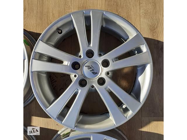 купить бу Б/в Диски R16 5x114.3 6,5j ET45 Toyota Camry Avensis Corolla Kia Cerato Nissan Teana Hyundai Elantra i30 Soul Mazda 6 3 в Львове