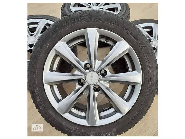 купить бу Б/в Диски + шини Peugeot R15 4x108 ET15 2008 207 Citroen C3 C4 C5 Berlingo в Львове