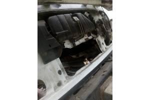 б/в бачки розширювальні Mercedes 814