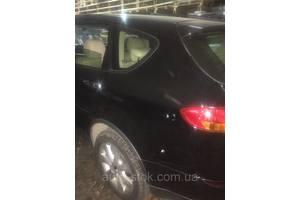 чверті автомобіля Subaru Tribeca
