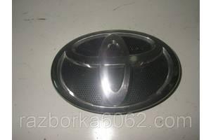 Эмблемы Toyota Camry