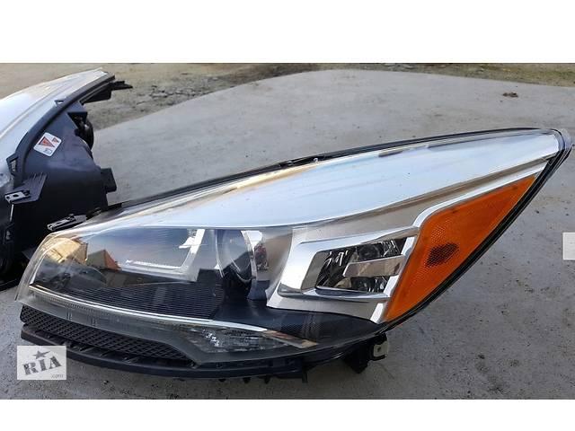 продам Фара правая левая б/у на Ford Escape MK2 2012- бу в Киеве