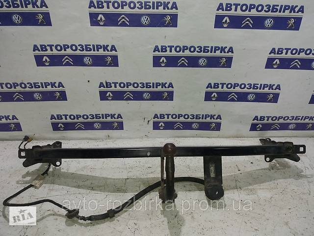 продам Фаркоп Volkswagen Caddy 04-09 Фольксваген Кадди Кадді бу в Тернополі