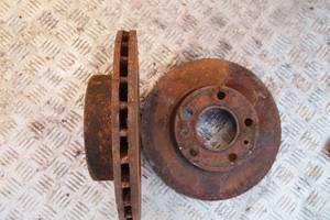 agen LT 35 2001рв на фольксваген лт 35 с 1996-2006рв диски оригинал товщинам22мм как новые гаран