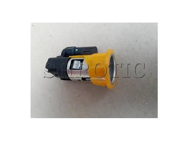 продам Гнездо Прикуривателя 8200021577 (Б/У) Opel Vivaro 2006-2010 2,5 dci 8200021577 бу в Костополе