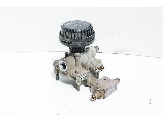 купить бу Клапан ускорительный Volvo 3173150 Wabco 9730110110 в Новоселице