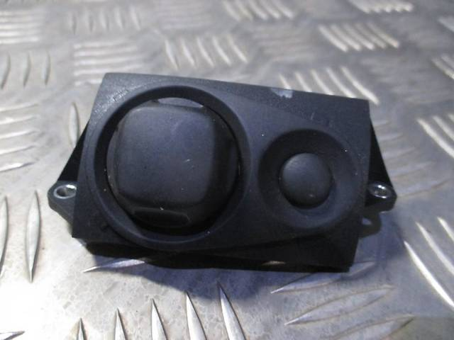 продам Кнопка рулевой колонки 4E0953551 для Audi A6 C6 2004-2009 бу в Киверцах