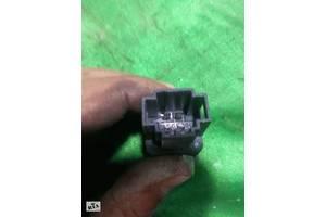 Кнопка відкривання лючка бензобака volkswagen golf 4