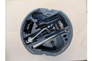 комплект донкрат крюк ключ колісний для шкода октавія А5 Вживаний деталі кузова (Загальне) для Skoda Octavia A5 2006
