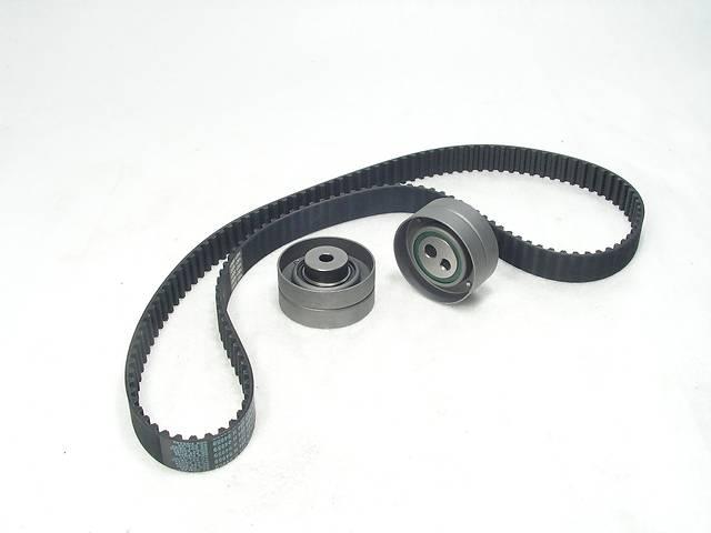 продам Комплект ГРМ: Ремень ГРМ 141z + ролики 2шт  Peugeot Boxer , Citroen Jumper 2,5D/TD 1994-2002 бу в Рівному