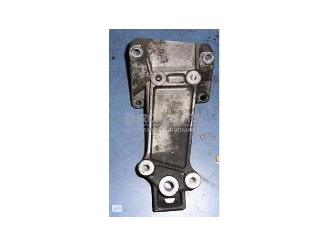 продам Кронштейн двигателя правый Mercedes Sprinter 2.7cdi (901/905) 1995-2006 A6122230004 бу в Киеве