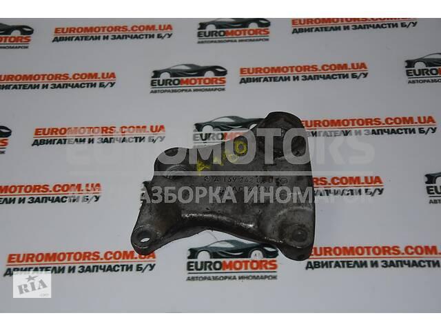 купить бу Кронштейн КПП левый Mercedes A-class 1.8cdi, 2.0cdi (W169) 2004-2012 1692420401 в Києві