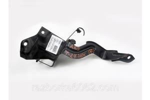 Кронштейн крепления блока ABS 09-15 Toyota Avensis T27 09-18 (Тойота Авенсис Т27)  4459005060