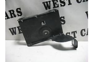 б/в Кронштейни паливних фільтрів Dacia Logan