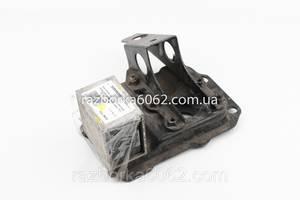 Кронштейн усилителя бампера передний правый Subaru Forester (SG) 02-08 (Субару Форестер СГ)
