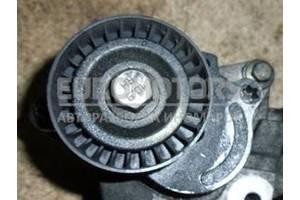 Натяжной механизм ремня генератора Opel Vivaro 2.0dCi 2001-2014 8200357406