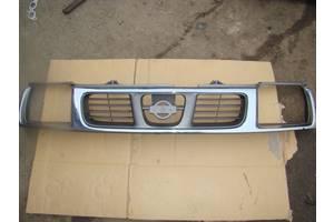 Новые Решётки радиатора Nissan Navara