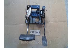 Педали тормоза Mitsubishi Carisma